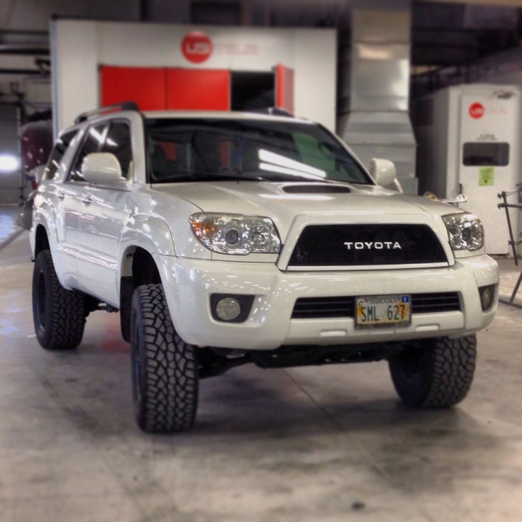 Toyota 4runner Grilles - XL Race Parts